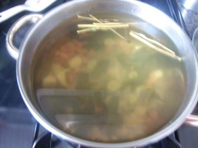 Boiled yellow roots, garlic, Brag vinegar, stevia and mint leaves