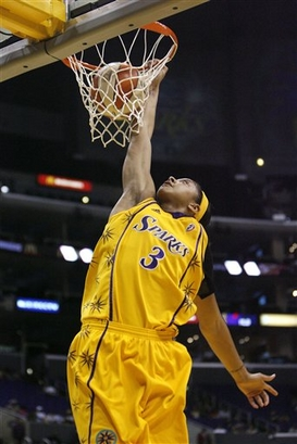 Candace Parker, second woman to dunk